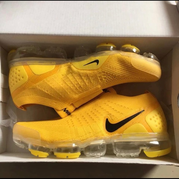 Nike Air Vapormax Flyknit MOC 2 University Gold